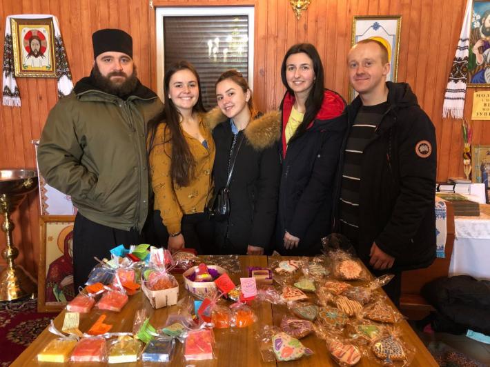 У Полтаві молоді греко-католики знову організували благодійний ярмарок для збору коштів для сиріт і дітей центру реабілітації