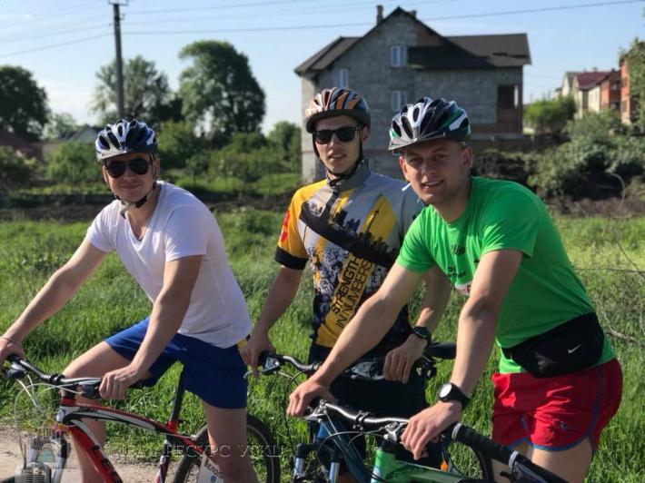 Розпочалося міжнародне велопаломництво військовослужбовців святинями Львівщини
