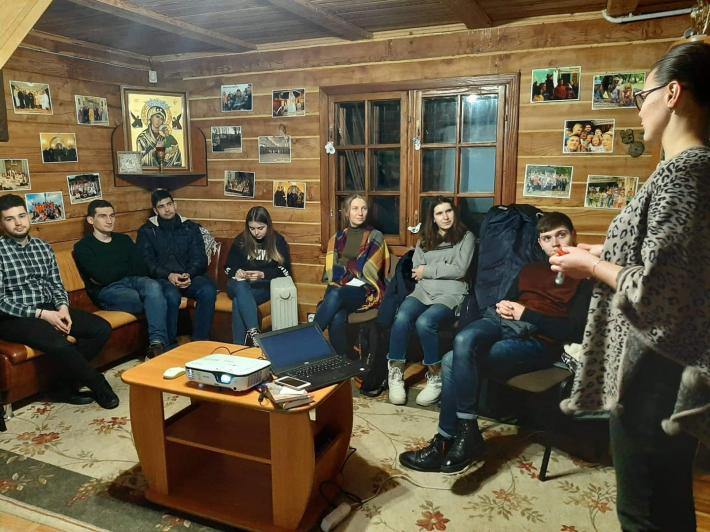 Центр студентського капеланства Львівської архиєпархії організував експериментальний курс для молоді «ПроМова»