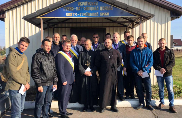 """У Полтаві до ордену """"Лицарі Колумба"""" приєдналися чоловіки з парафії РКЦ"""