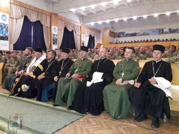 Владика Василь Івасюк привітав військових на Яворівському полігоні