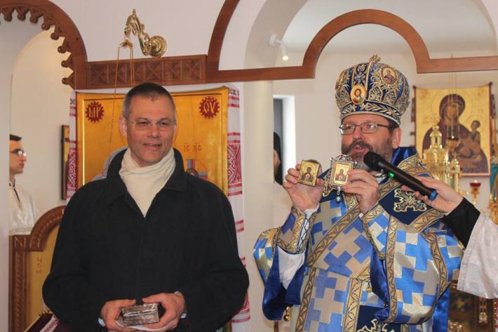 Блаженніший Святослав передав ікону за підписом митрополита Шептицького монастирю студитів в Обухові