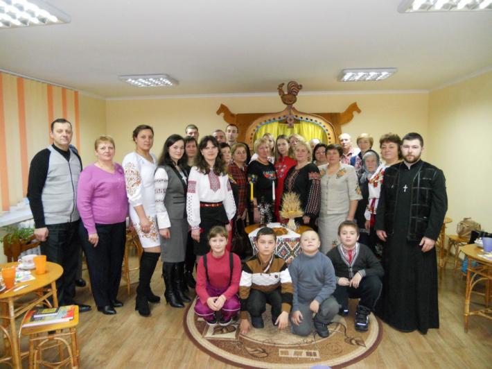 Цикл Різдвяних свят  у Старій Вижівці Луцького екзархату завершили Розколядою
