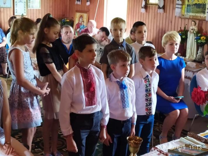 У Полтаві при Свято-Троїцькому храмі УГКЦ діти вперше приступили до Святої Сповіді