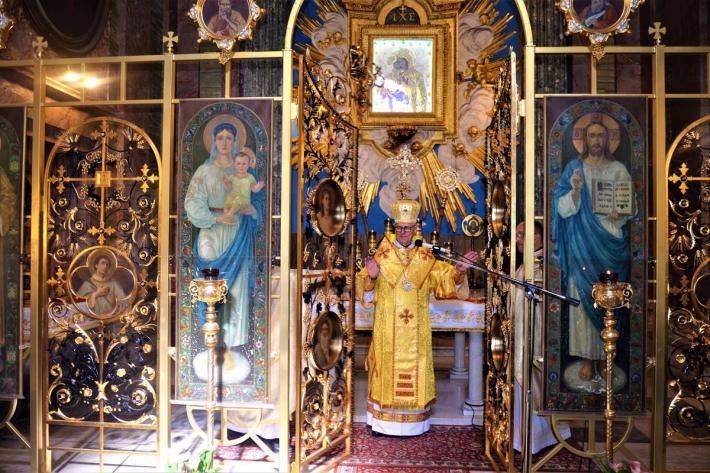 Владика Діонісій Ляхович освятив відновлені давні врата іконостаса в церкві Святих Сергія і Вакха в Римі