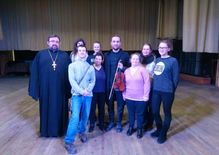 «Карітас-Житомир» провів унікальний благодійний концерт «Різдво разом» за участю скрипаля-віртуоза Олександра Божика