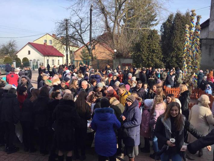 Парафії Стрийської єпархії зібрали майже сто тисяч гривень на обладнання для онкохворих дітей