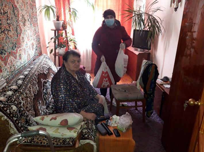 Франківський Карітас під час карантину надає допомогу хворим і самотнім