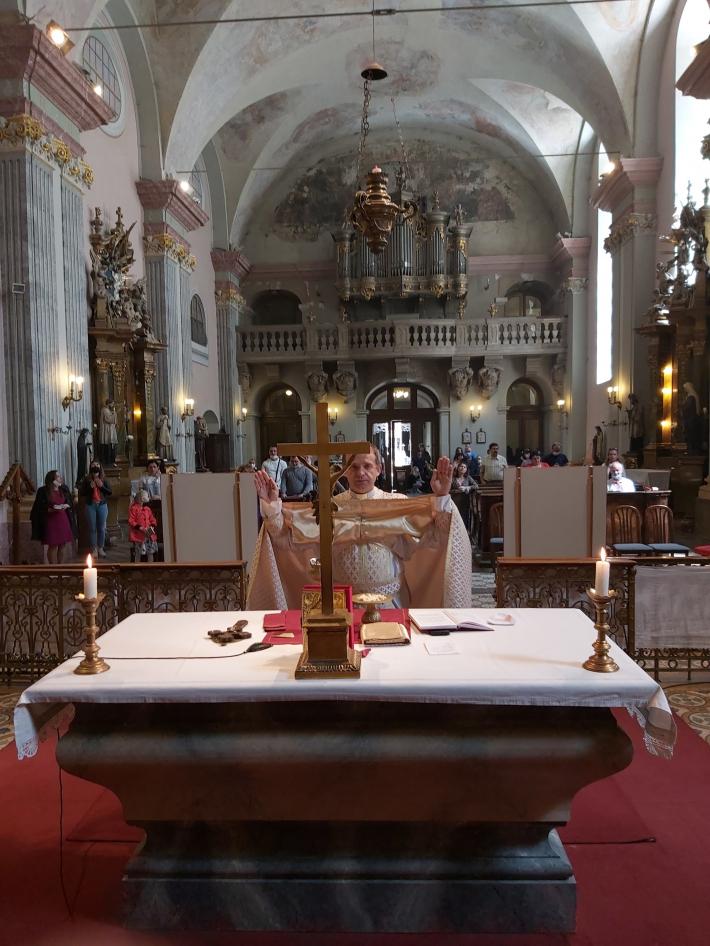 Громада УГКЦ в Угорщині поновила богослужіння під час COVID - 19