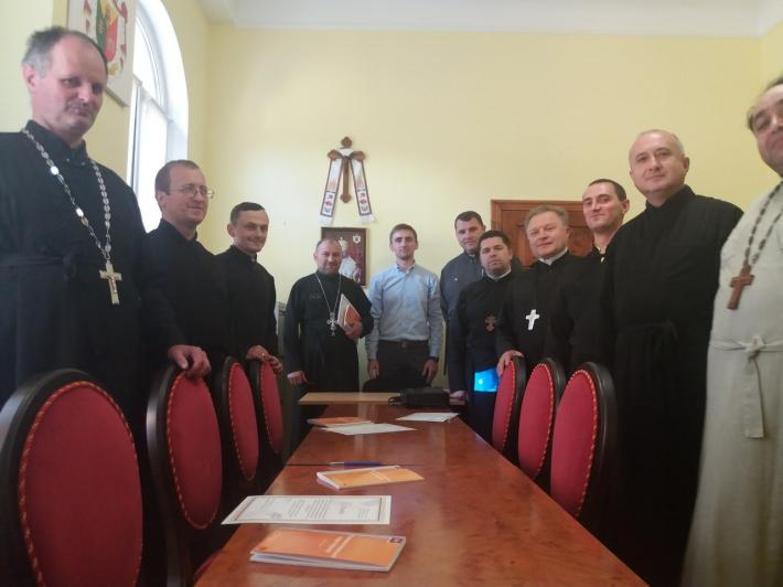Про подолання корупції йшла мова на формаційному тренінгу для священиків Чернівецької єпархії