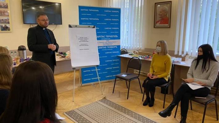 «Карітас-Тернопіль» провів тренінг на тему соціально-педагогічної роботи з дітьми та молоддю