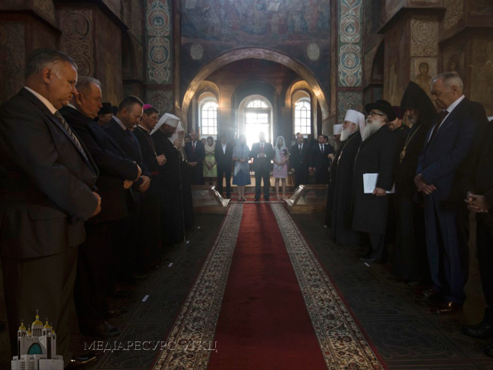 The Head of the UGCC prayed for Ukraine at St. Sofia Cathedral together with the President and members of the AUCCRO