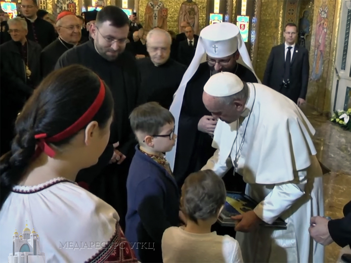 Pope Francis will definitely visit Ukraine! a moving story about a dialogue between a young Ukrainian boy and the Pope