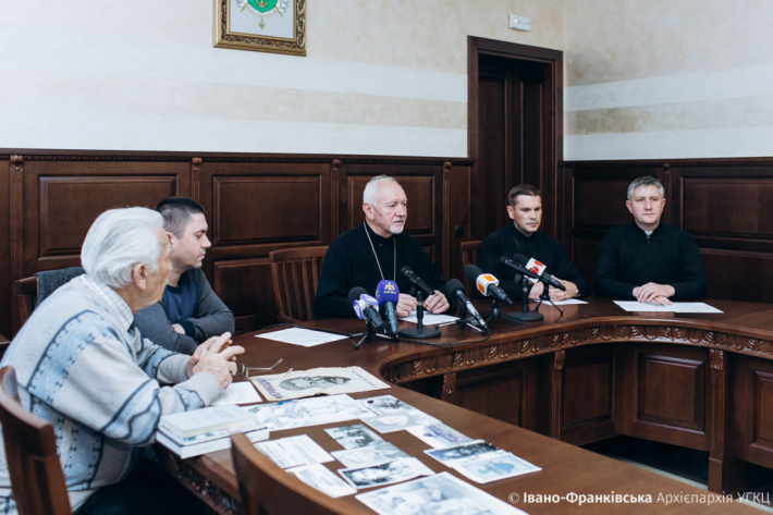 В Івано-Франківську готуються до відзначення 30-ї річниці перепоховання жертв сталінських репресій в Дем'яновому Лазі