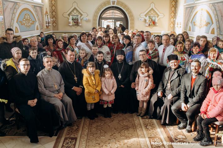 На свято прощання з колядою до родинного села блаженного Симеона Лукача завітав Кам'янець-Подільський єпископ Іван Кулик