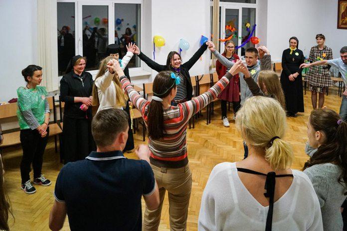 Провідники літніх християнських таборів взяли участь у семінарі «Запрошені на царський бенкет»