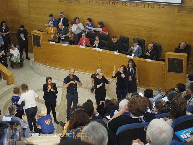 Інклюзія замість приналежності. Душпастирство глухих в контексті конференції в Римі