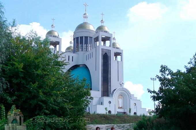 Владика Йосиф (Мілян) передасть для Казахстану пам'ятний знак депортованим українцям