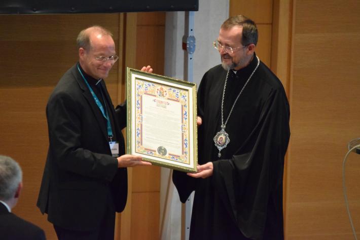 Глава УГКЦ відзначив Грамотою БФ «Реновабіс» з нагоди 25-річчя заснування