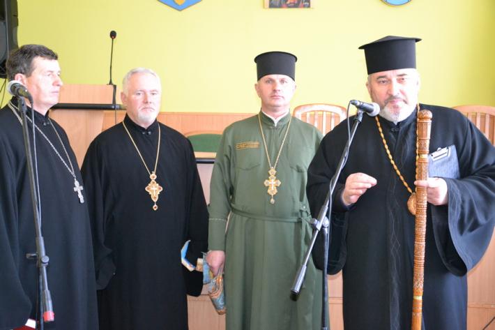 Владика Василь Івасюк привітав працівників карного розшуку зі 100-річчям структури