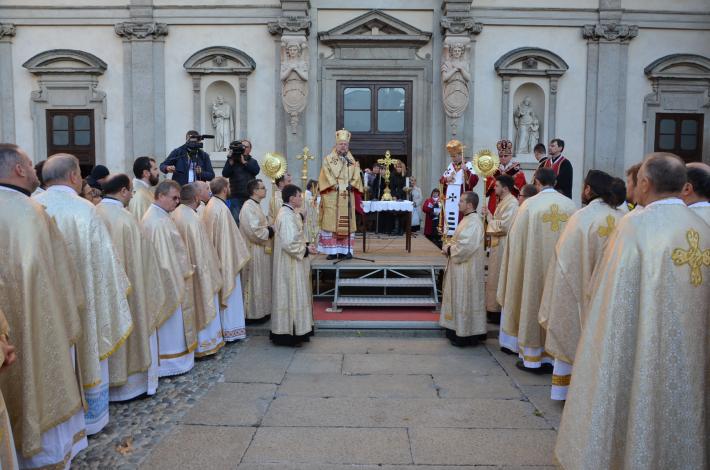 «Молитвою ми можемо допомогти тим, які пережили муки голодної смерті»: українці Італії в міланському соборі Дуомо молилися за жертв Голодомору