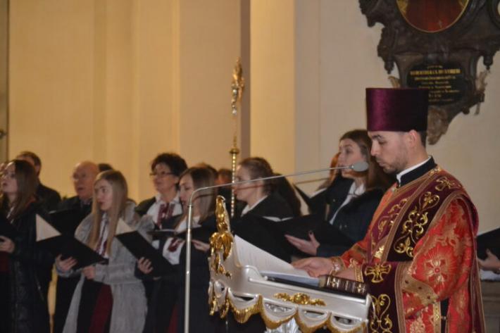 Уперше в Україні, у соборі Святого Юра, виконали Акафіст до блаженного священномученика Омеляна Ковча