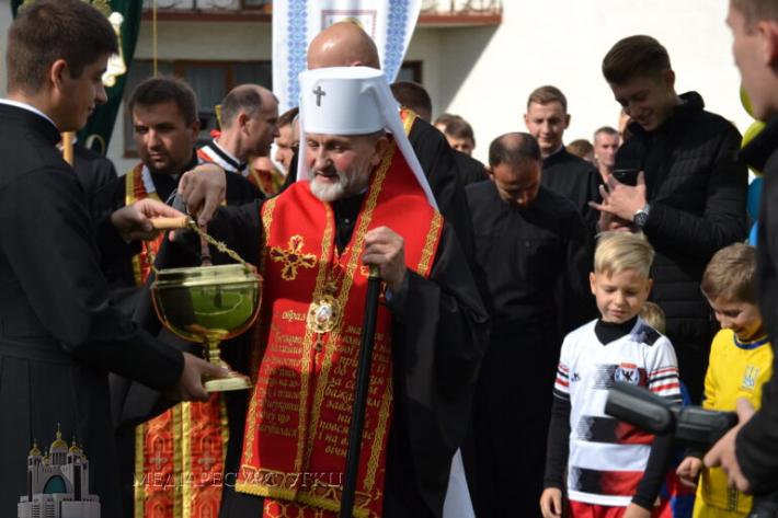У Львівській духовній семінарії Святого Духа відкрили футбольне поле