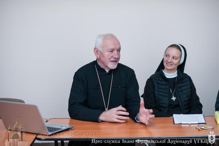 «Ви ті, котрі формуєте майбутнє України», – Митрополит Володимир (Війтишин) до вчителів