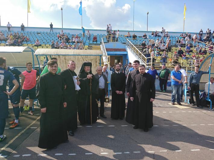 Владика Михайло (Колтун) взяв участь у великодніх святкуваннях у Червонограді