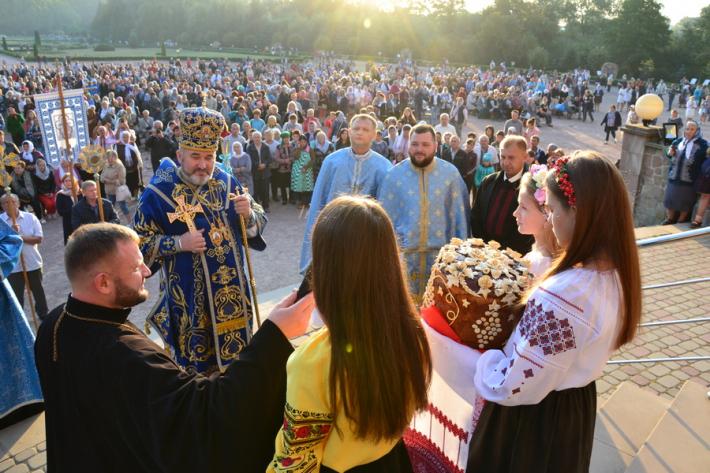 Вірні Коломийської єпархії взяли участь у традиційній успенській прощі до Зарваниці
