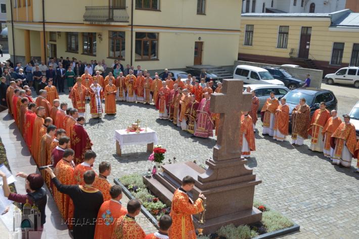 У Коломийській єпархії вшанували п'яту річницю з дня смерті владики Миколи (Сімкайла)