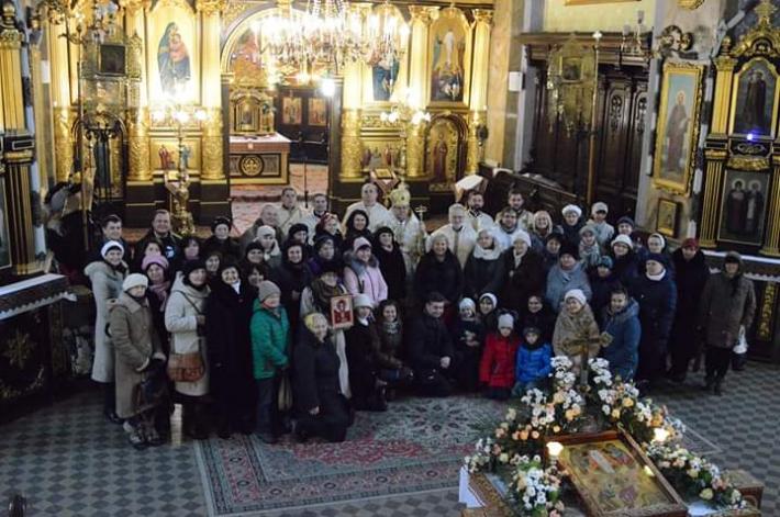 Катехити Львівської архиєпархії поділилися передріздвяною просфорою