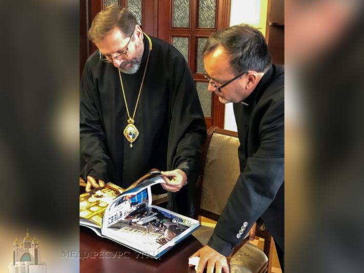 Глава УГКЦ зустрівся з отцем Патріком Дебуа, дослідником Голокосту в Україні та країнах Східної Європи