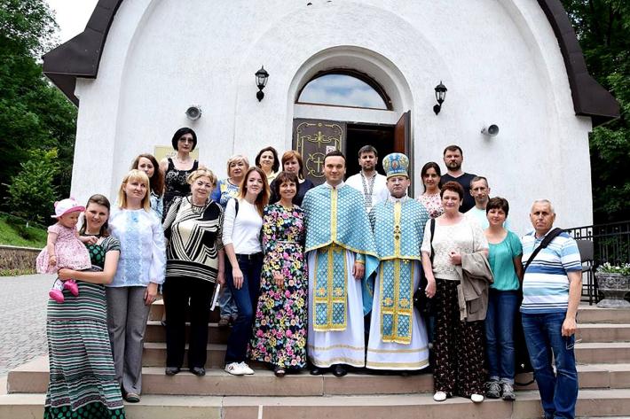 Напередодні професійного свята журналісти Тернопільщини молилися у Зарваниці