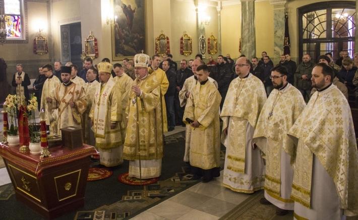 Божественну Літургію з військовослужбовцями та їхніми родинами молилися у катедральному храмі у Стрию