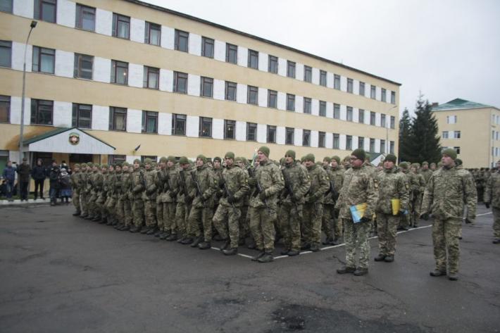 Присяга у Національній академії сухопутних військ розпочалася молебнем