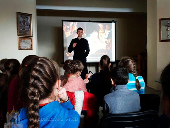 У Бурштині в парафії УГКЦ провели першу англомовну лекцію для дітей