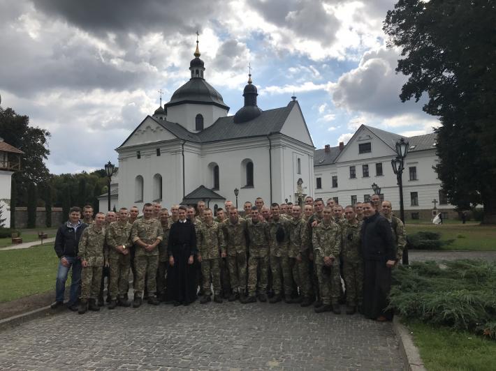 Майбутні офіцери здійснили паломницьку поїздку до Крехова