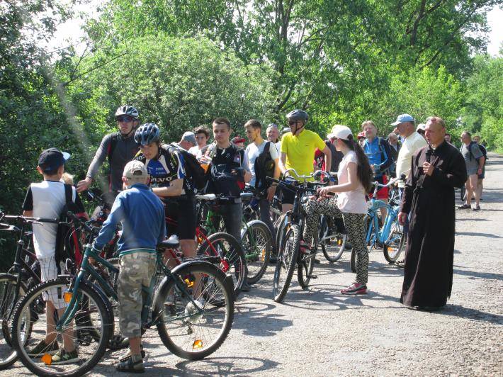 Молодь Стрийської єпархії  організувала велопрощу до Кохавина
