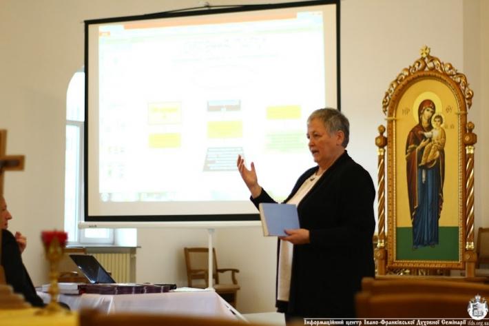 """Результат пошуку зображень за запитом """"ІВАНО-ФРАНКІВСЬКИХ СЕМІНАРИСТІВ ЗАСТЕРЕГЛИ ВІД НОВІТНІХ РЕЛІГІЙНИХ РУХІВ ТА СЕКТ"""""""