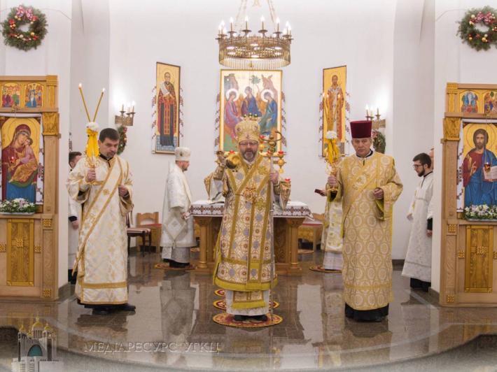 Глава УГКЦ у Київській Трьохсвятительській семінарії освятив зал на честь Папи Франциска