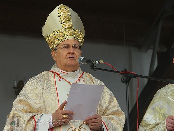 «Пресвята Богородиця навчить, як із нас творити чесний і щедрий дар Богові та братам», - кардинал Леонардо Сандрі у Зарваниці