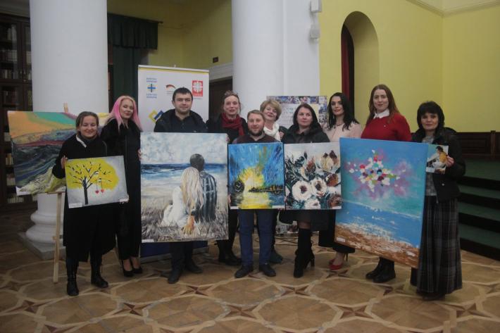 «Мистецтво за межами»: У Києві відбувся благодійний аукціон картин, створених особами з інвалідністю