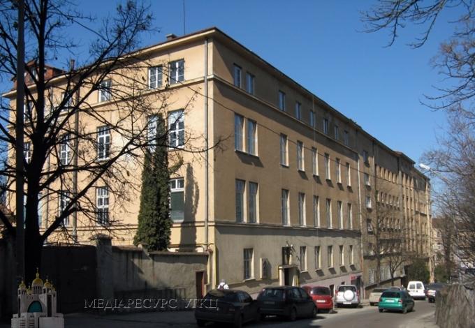 Шпиталь Шептицького у Львові відновив столітні традиції волонтерства професорів-медиків