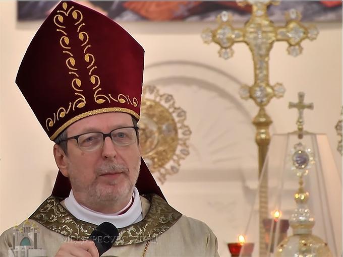 Апостольський нунцій в Україні висловив співчуття з приводу смерті владики Андрія Сапеляка