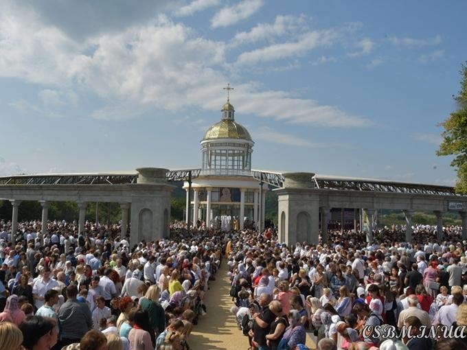 «Гошів вітає Патріарха», − скандували паломники в Гошівському монастирі ЧСВВ