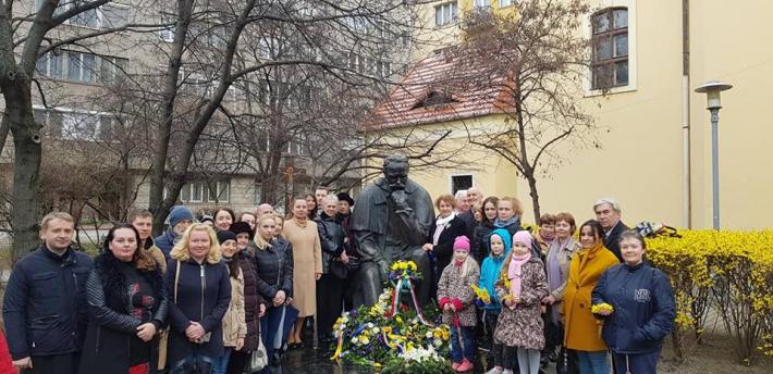 Українці в Угорщині вшанували українського Кобзаря