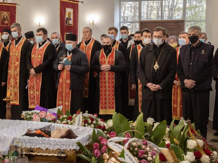 У Стрию Парастасом розпочалися похоронні богослужіння за Вірою Шевчук