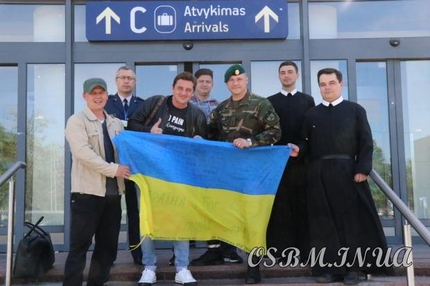 Захисники Донецького аеропорту та герої фільму «Кіборги» завітали до василіанського монастиря у Вільнюсі