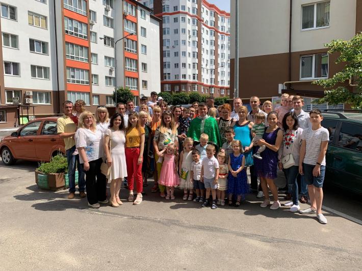 У Києві презентували відеоролик про перший рік служіння парафії УГКЦ у селі Петропавлівська Борщагівка